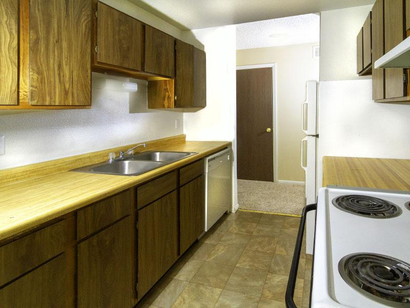 Sunridge Apartments | Kitchen | Casper, WY