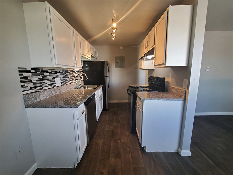 Fully Equipped Kitchen   Riviera Apartments in Northglenn, CO