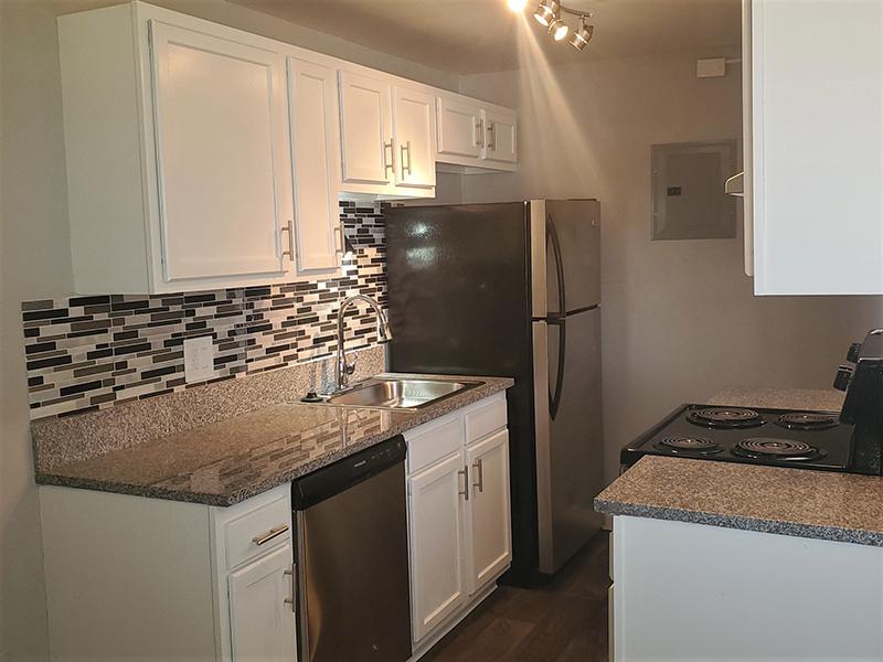 Kitchen Appliances   Riviera Apartments in Northglenn, CO