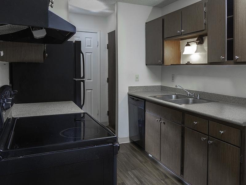 Kitchen | Sweetwater Heights Apartments