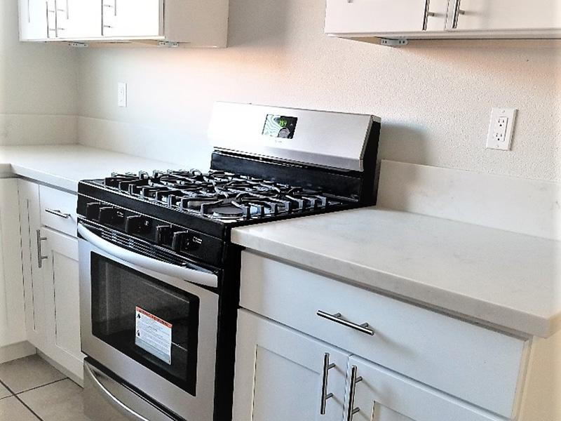 Fully Equipped Kitchen | Galleria Townhomes