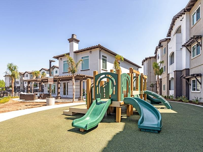 Outdoor | Sereno Apartments