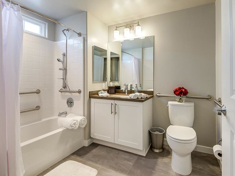 Bathroom | Sereno Apartments