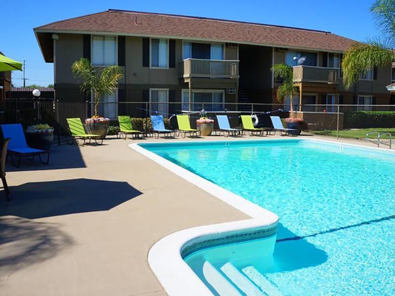 Swimming Pool | Chardonnay Ridge