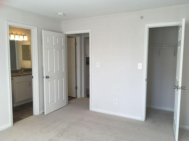 Bedroom| Latitudes Apartments for Rent