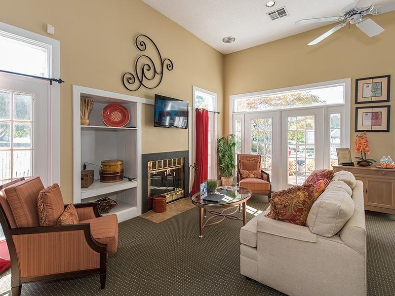 Lobby | Latitudes Apartments in Virginia Beach