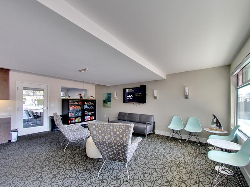 Resident Lounge | Panomar Apartments in Alameda, CA