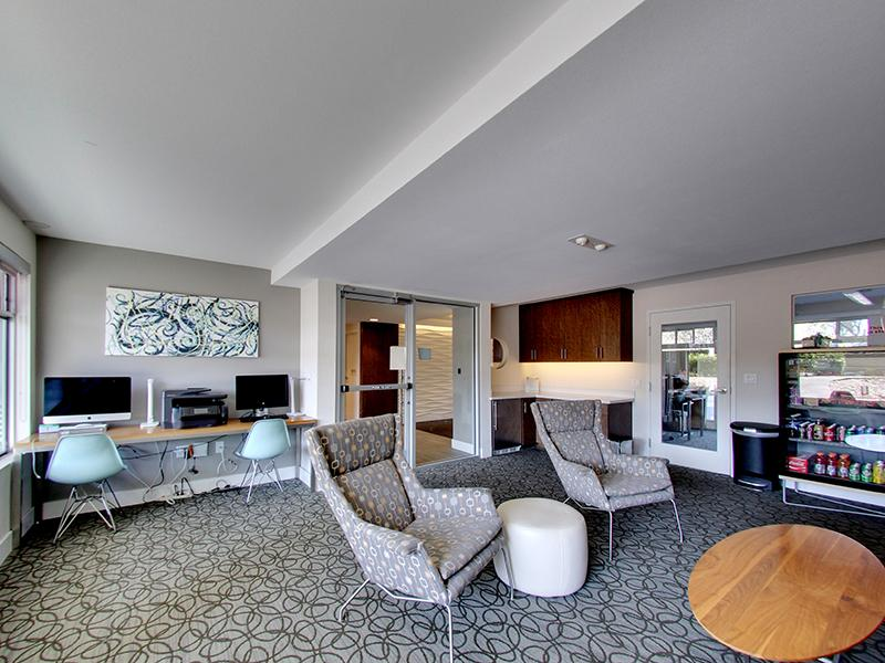 Lounge | Panomar Apartments in Alameda, CA