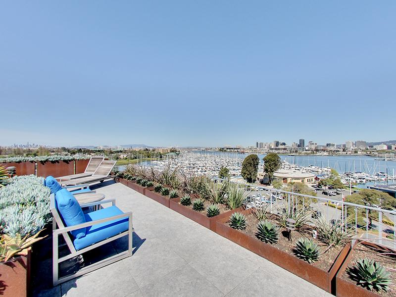 Rooftop Seating | Panomar Apartments in Alameda, CA