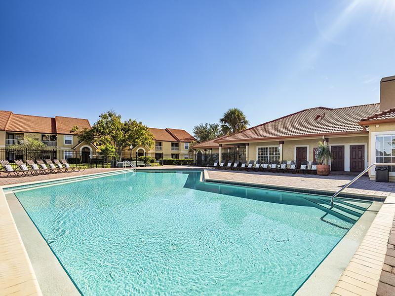 Pool | Lake Tivoli Apartments