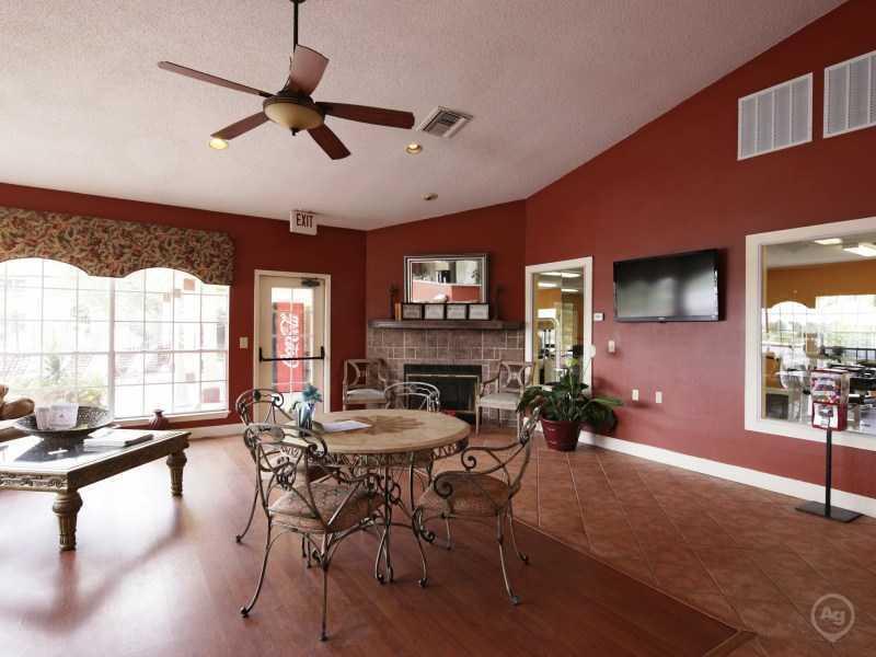 Club House | Lake Tivoli in Kissimme, FL