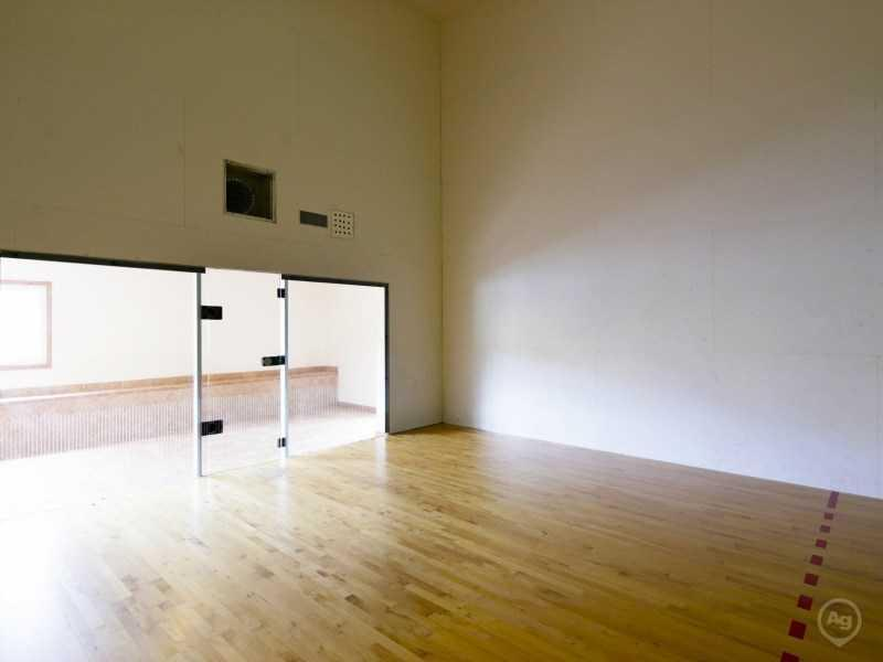 Racquet Ball Court | Lake Tivoli Apartments