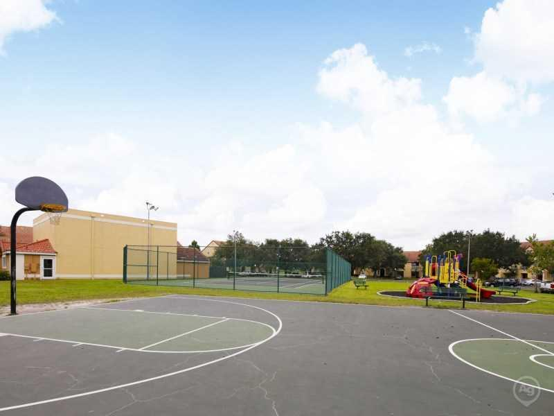 Basketball Court | Lake Tivoli Apartments