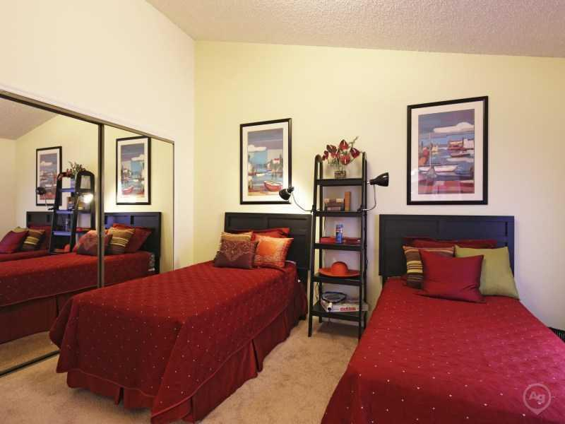 Bedroom | Lake Tivoli Apartments