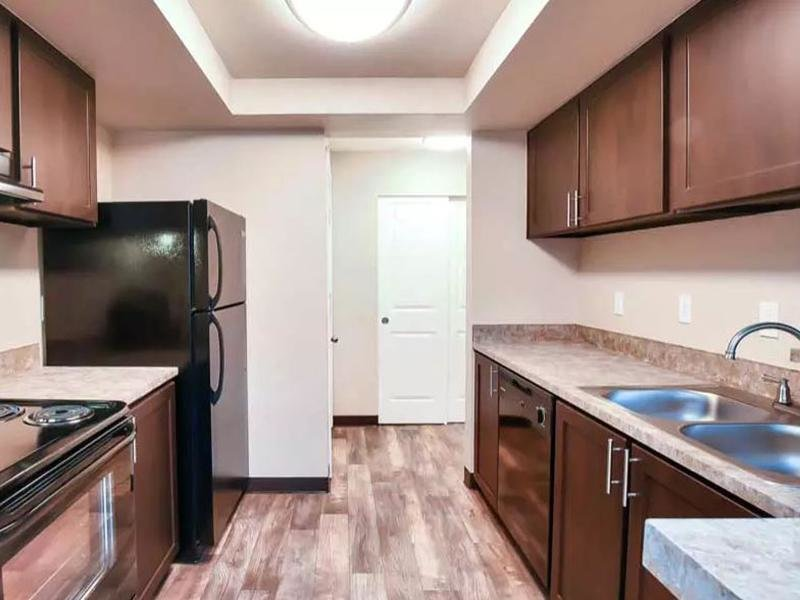 Kitchen | Pointe East Apartments