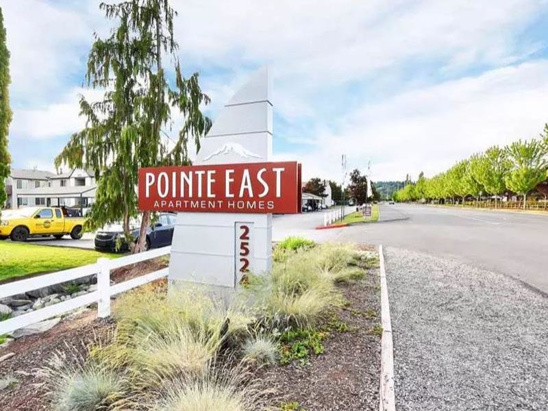 Welcome Sign | Pointe East Apartments