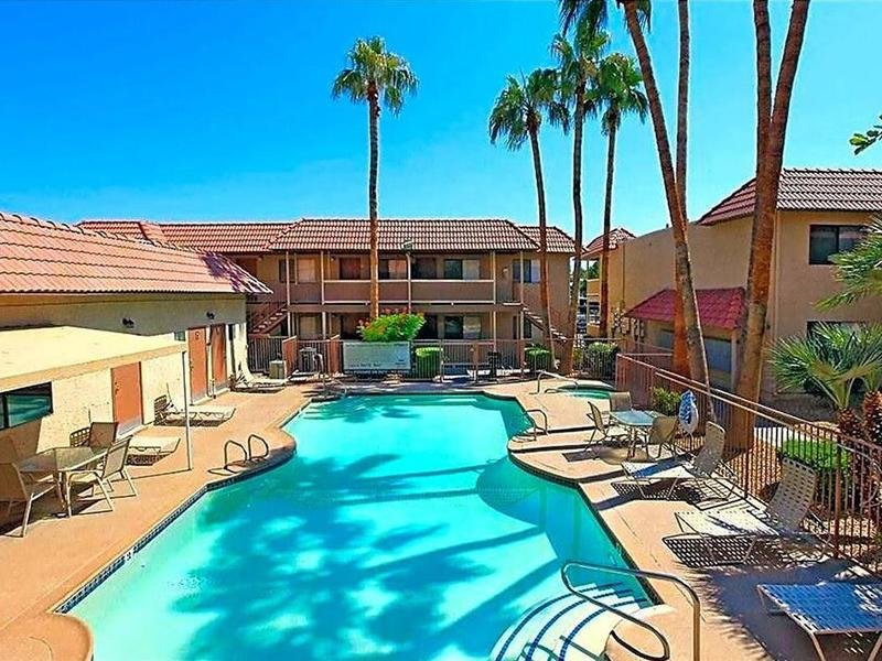 Pool | Reno Villas Apartments in Las Vegas, NV