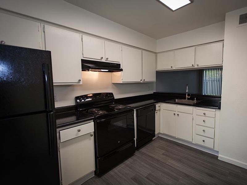 Kitchen | Rosemont Park Sacramento Apartments For Rent