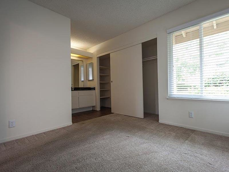 Living Room | Rosemont Park 95826 Apartments