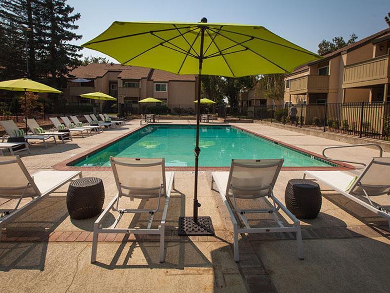 Swimming Pool | Rosemont Park 95826 Apartments
