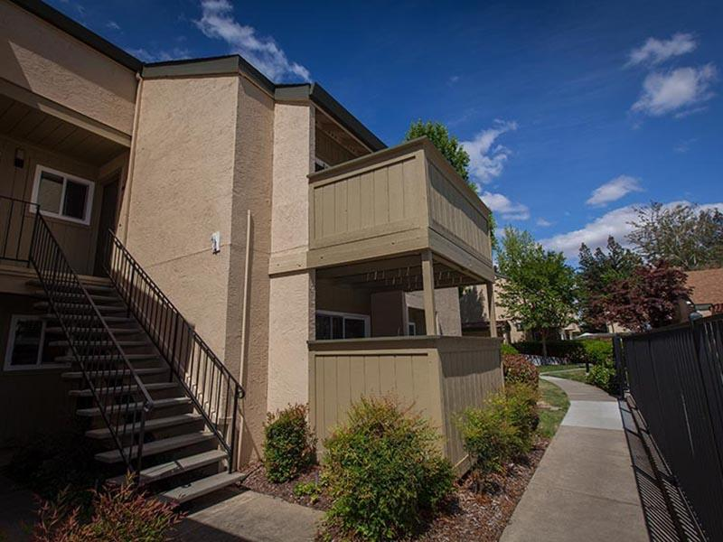Building | Rosemont Park Apartments in Sacramento CA