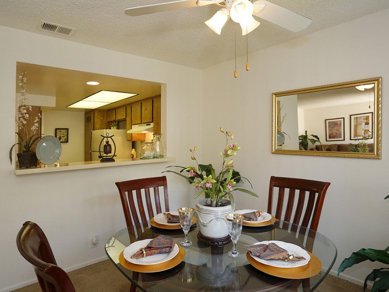 Dining Area | Meadowood Apartments