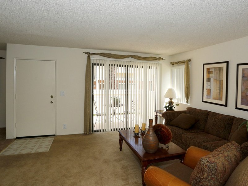 Living Room | Meadowood Apartments