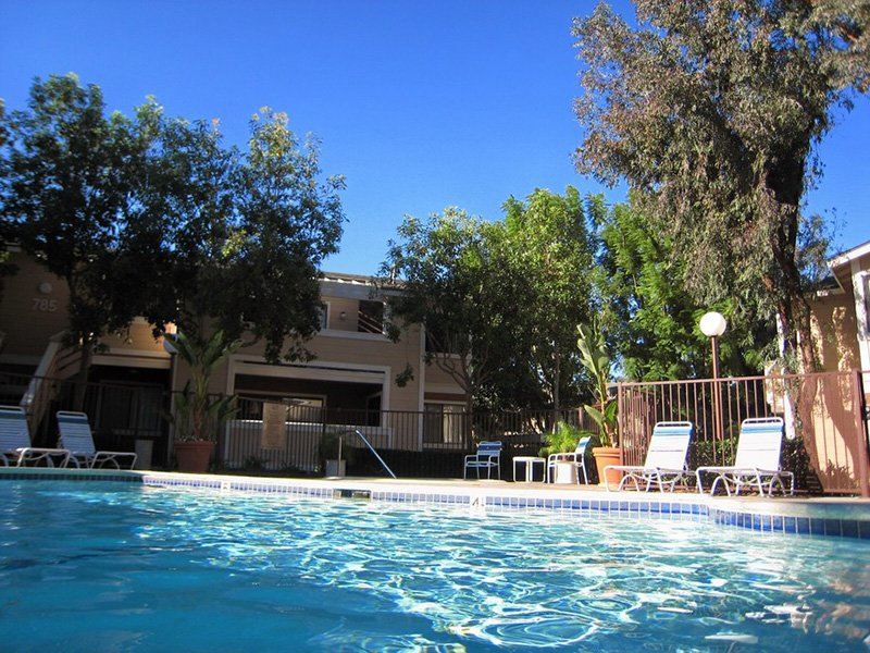 Swimming Pool | Meadowood Apartments