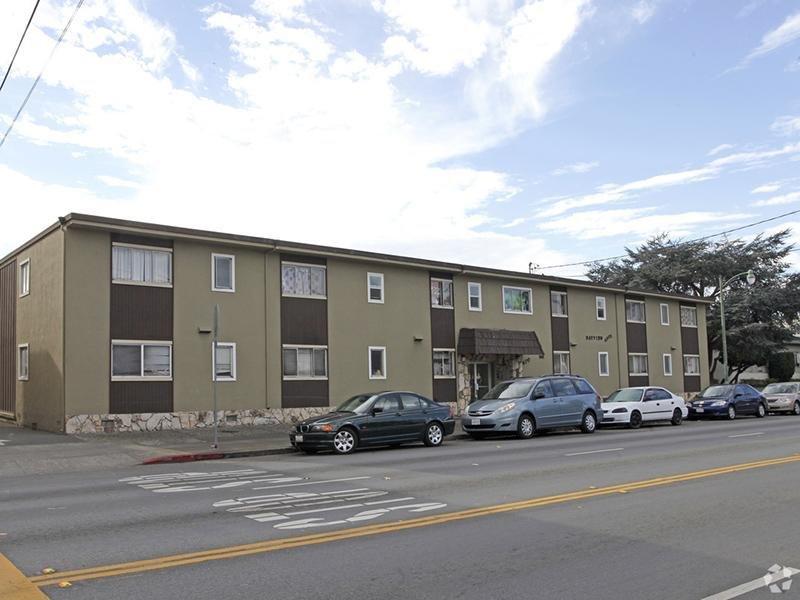 Exterior | Bayview Apartments in Alameda, CA