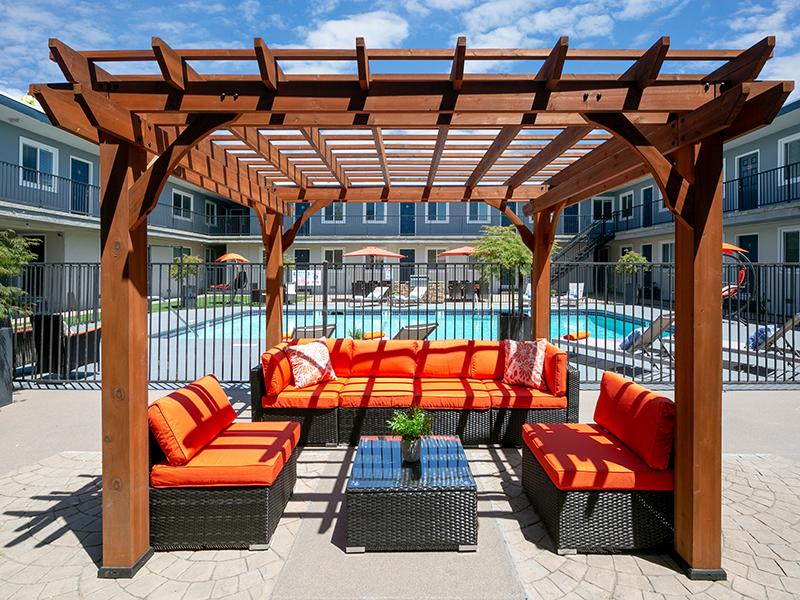 Outdoor Lounge | Bay Vista Apartments