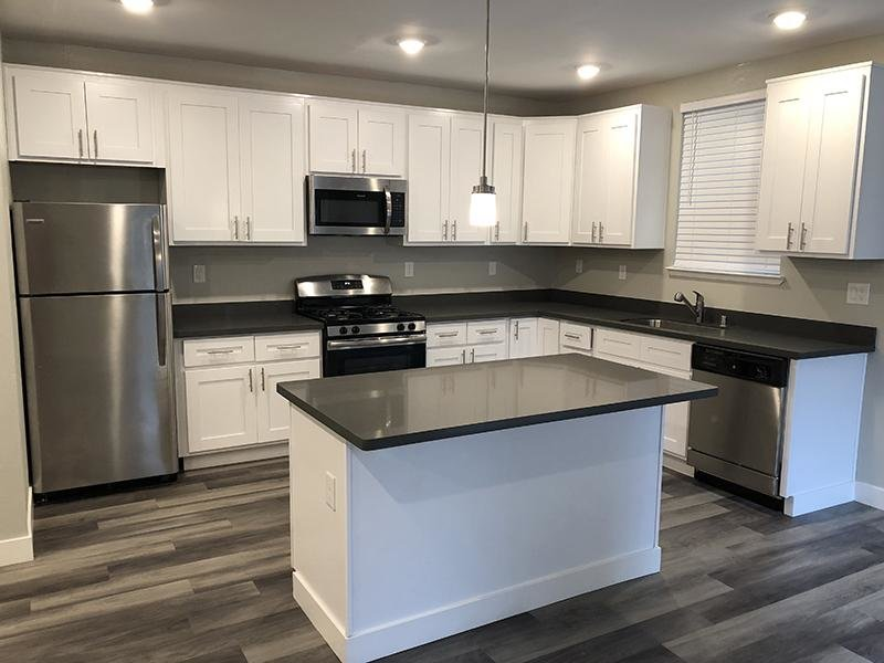 Kitchen | Bayview Apartments
