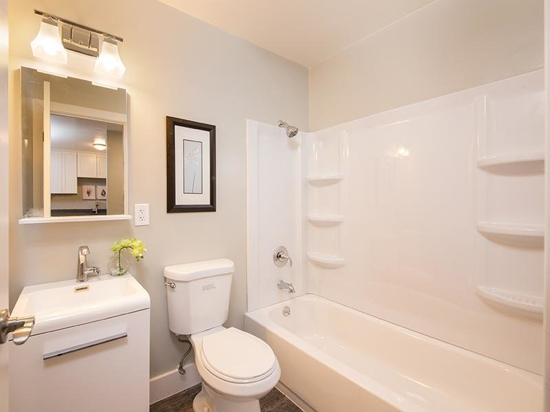 Bathroom | Bayview Apartments