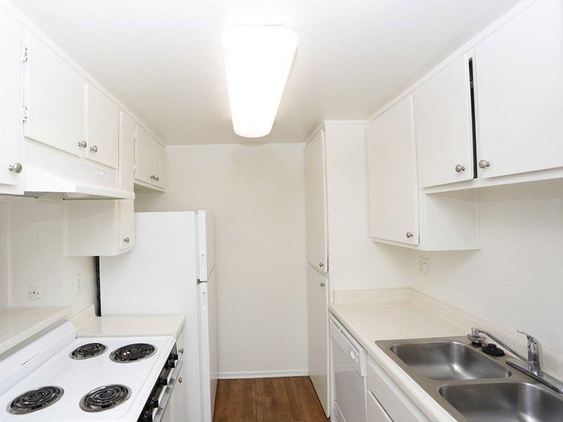 2 Bedroom Kitchen | Tribeca Apartments