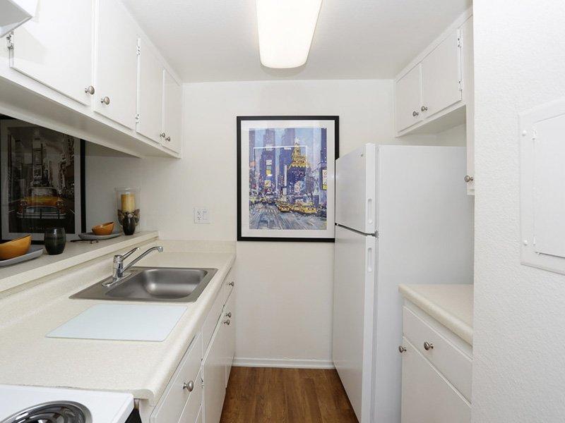 Studio Kitchen | Tribeca Apartments