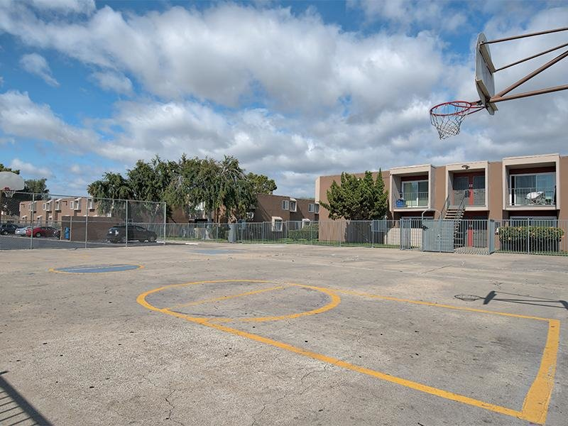 Basketball court | Vista La Rosa