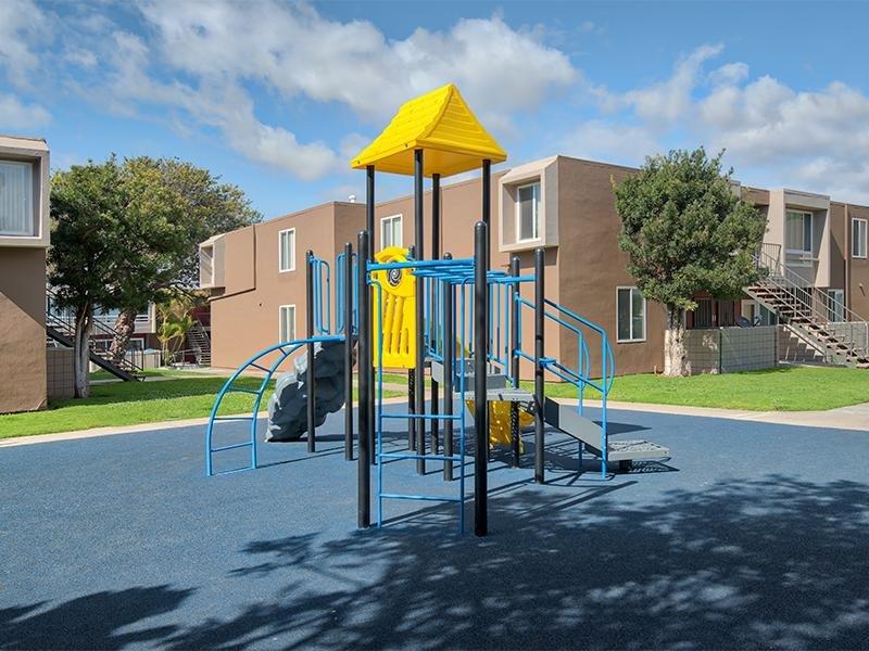 Vista La Rosa Playground