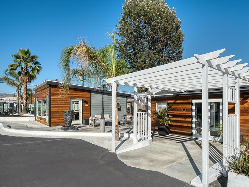 Exterior | Hollywood Backlot Homes