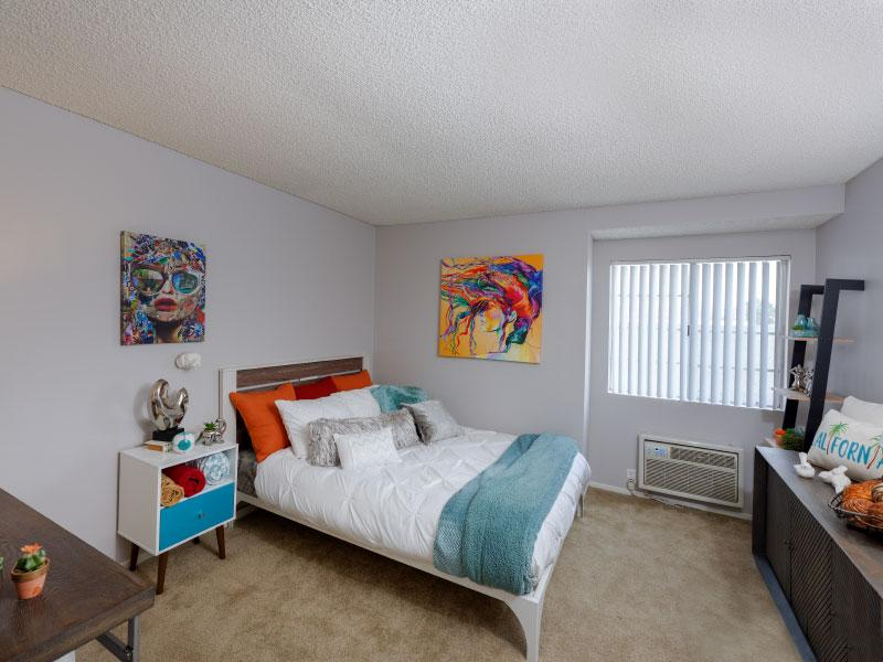 Bedroom over view | Lake Balboa Apartments