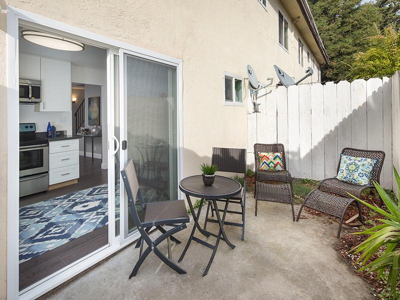 Backyard | Greenleaf Apartments in Hayward, CA