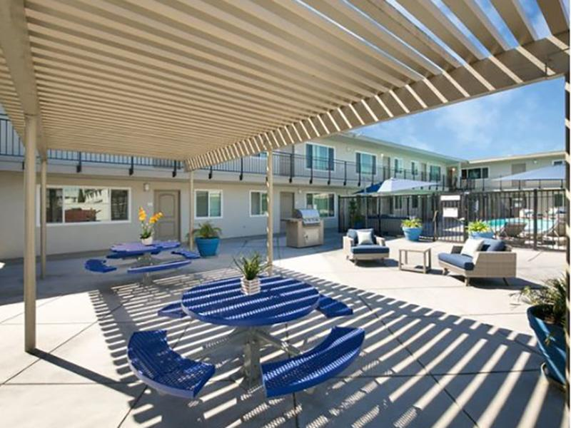 BBQ and Picnic Area | Vivante Apartments