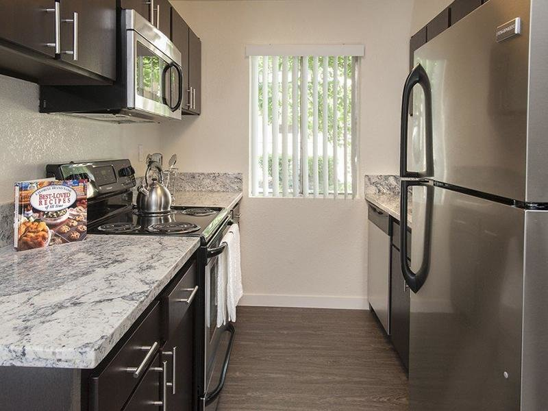 Fully Equipped Kitchen | Parkwood Apartments
