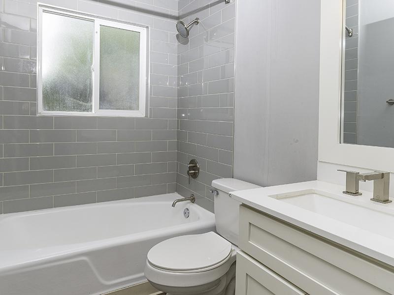 Bathroom | Joshua Tree