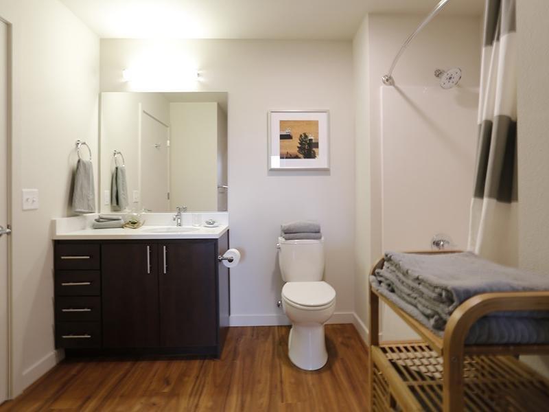 Bathroom And Towels   Northwood