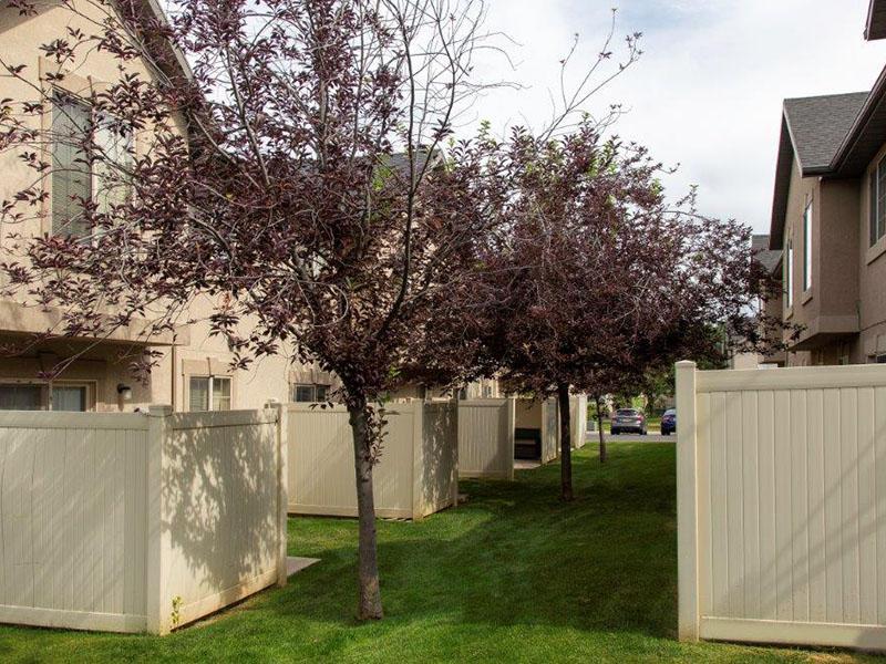 Private Backyards   Logan Landing