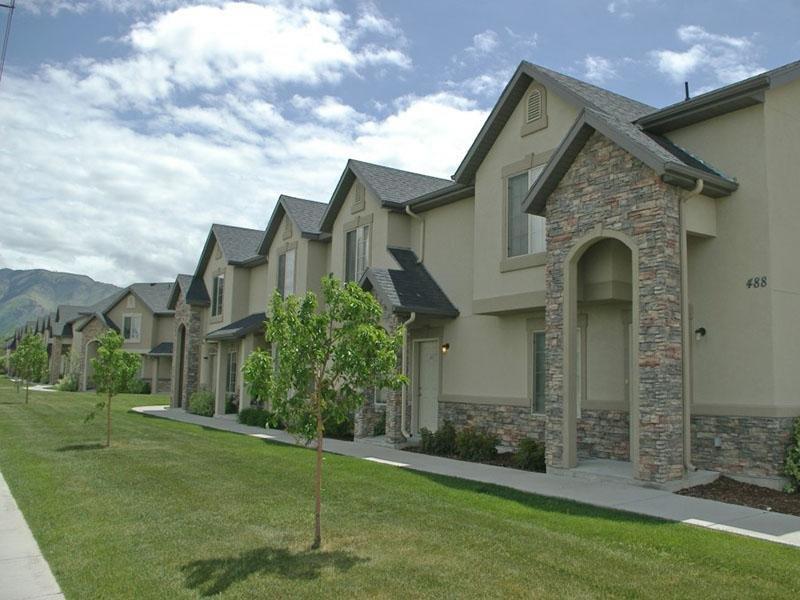 3 Bedroom Town Homes | Logan Landing Town Homes