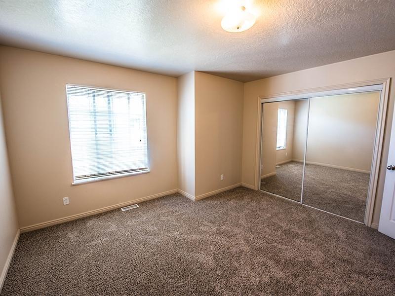 Bedroom   Logan Landing