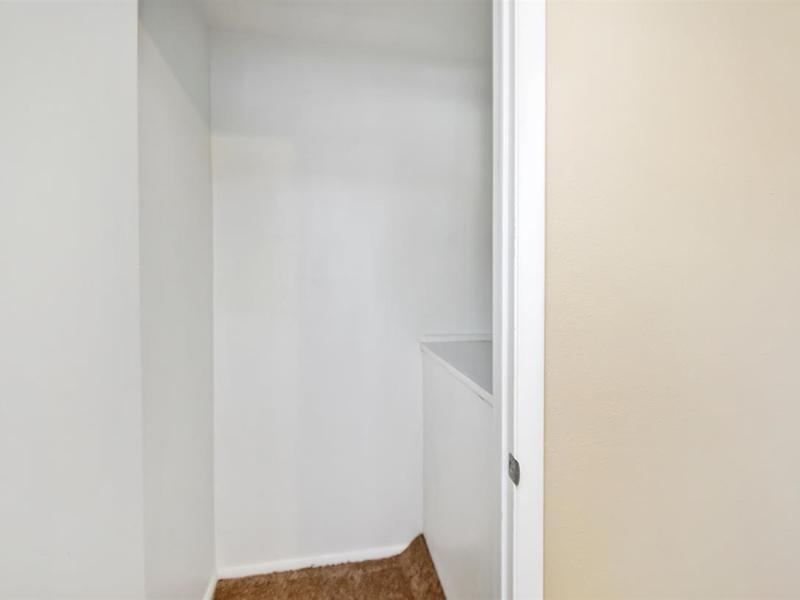 Closet | Medallion Apartments