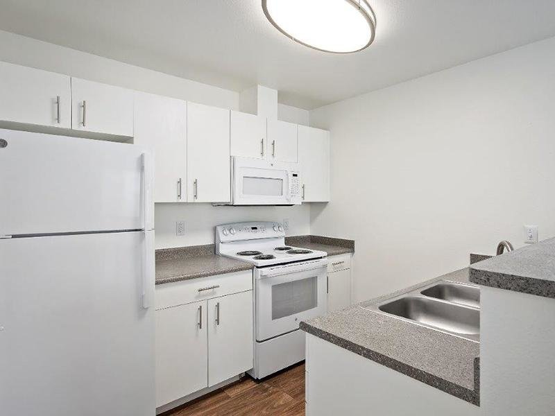 Fully Equipped Kitchen | Cedar Square Apartments