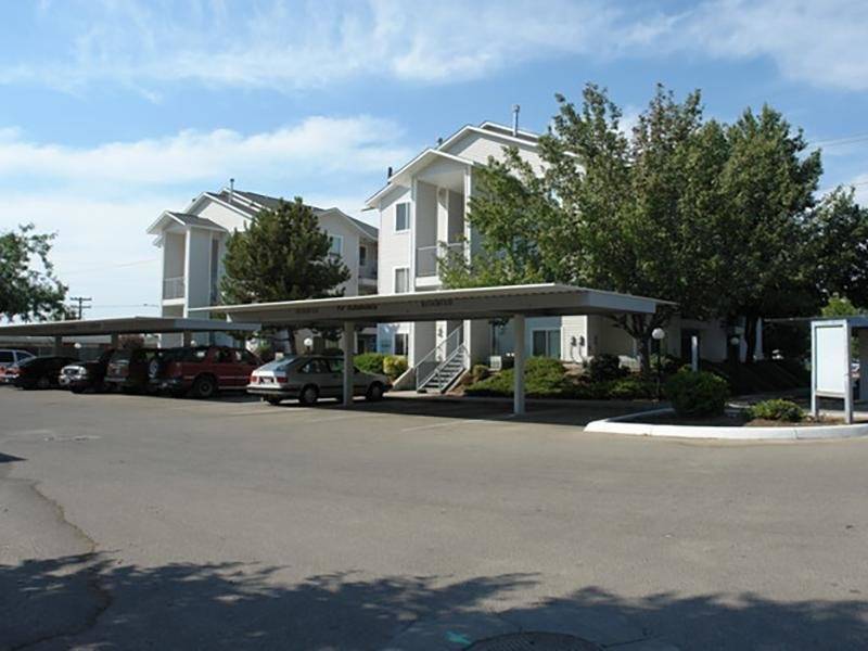 Parking | Whispering Pines Apartments