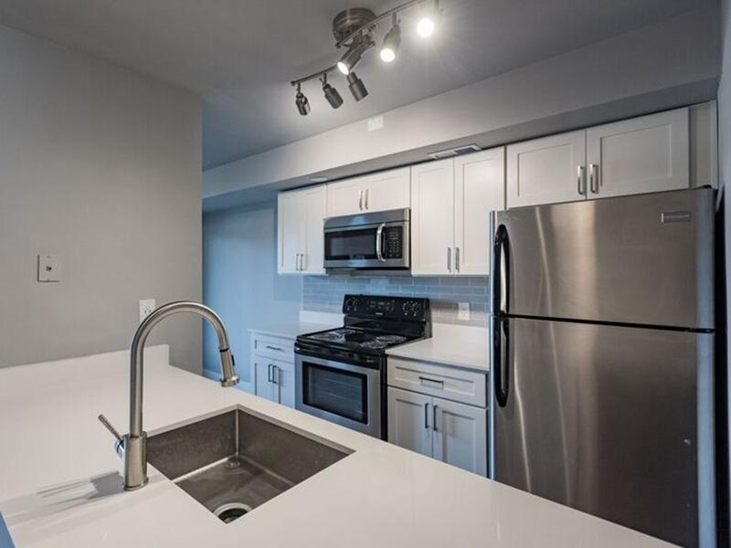 Kitchen - Shenandoah Apartments - SLC